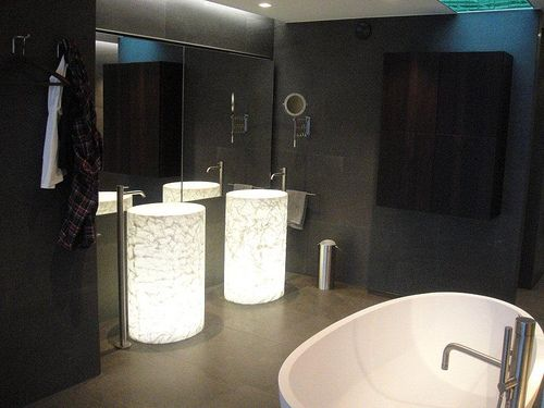 Bath: Agape Spoon, Sink: Rapsel Vision