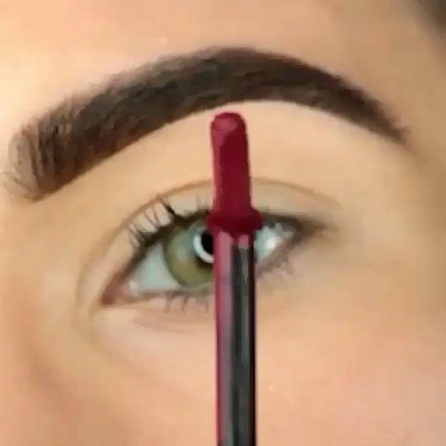 How to do Smokey Eyes Makeup Like A Pro?