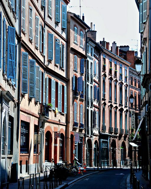 in the streets of Toulouse Architecture involves a lot of forms and shapes.