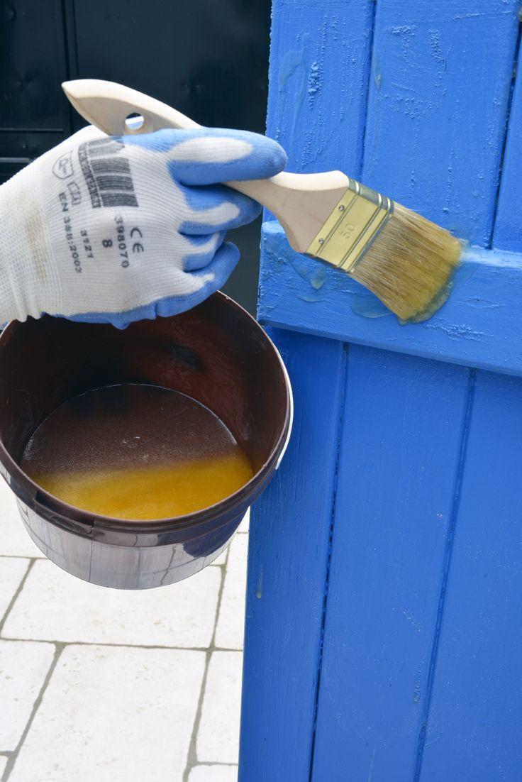 Décaper un support bois en appliquant le produit par couches épaisses