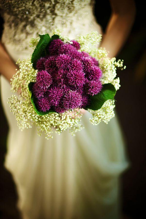 I like the idea of a distinct 2 tone boquet :) #wedding #boquet