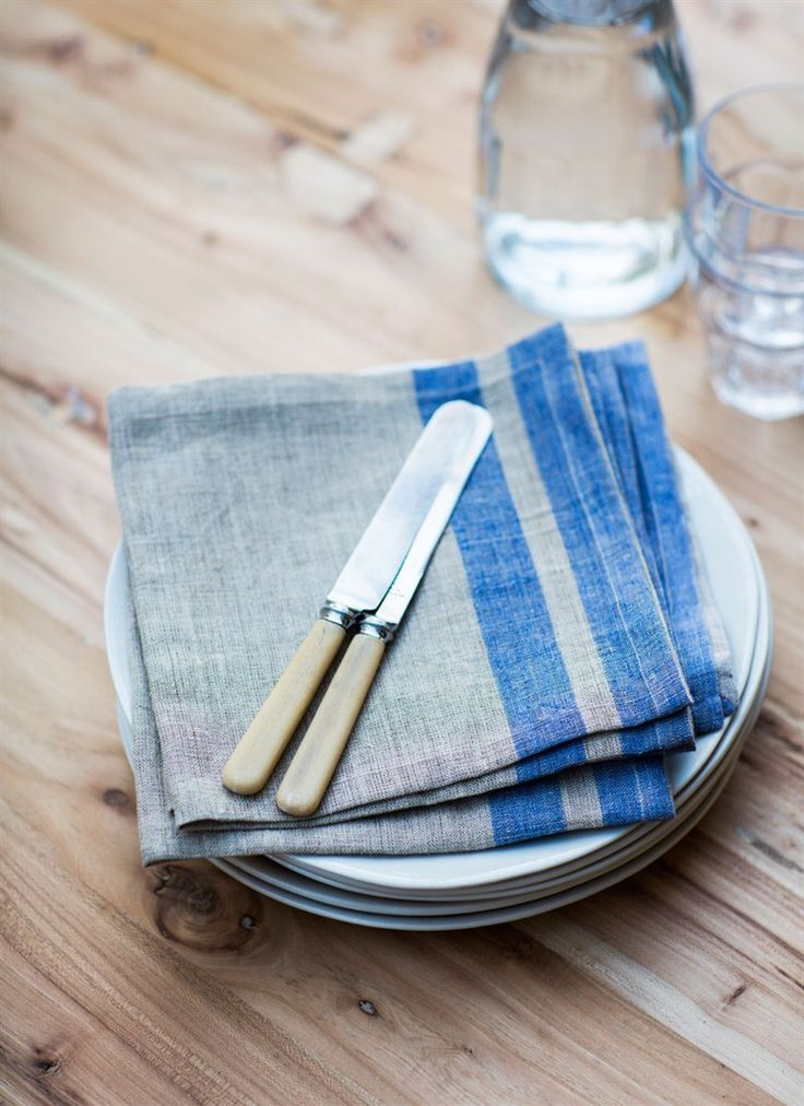 A set of 4 napkins resembling a hopsack X 2 please. Also love the old fashioned butter knives
