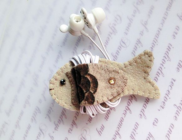 Sandstones Fin Fish Earphones Winder - V1 from Lily's Handmade - Desire 2 Handmade Gifts, Bags, Charms, Pouches, Cases, Purses by DaWanda.com