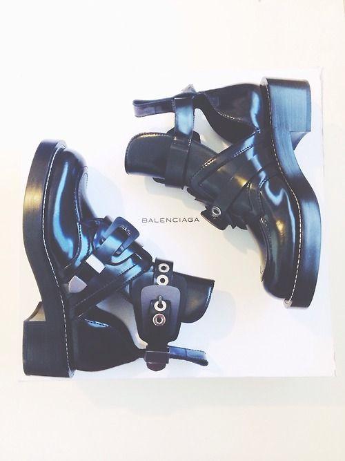 Pinterest;  @anakayj /   balenciaga boots