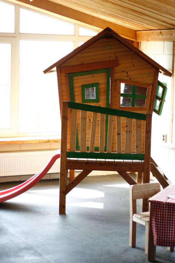 NuBuiten beleving // Beleef het assortiment! Zoals de Axi #speelhuisjes http://nubuiten.nl/spelen/speelhuisje/houten-speelhuisje.html