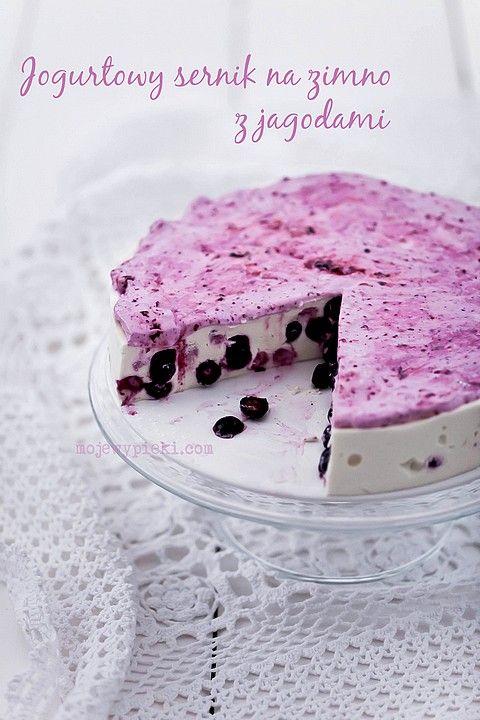 Jogurtowy sernik na zimno z jagodami