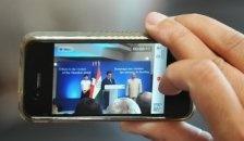 26 de septiembre de 2012: La pantalla del Nokia Lumia 920 tiene más resolución y densidad de píxeles que la del nuevo iPhone y la del Galaxy S III de Samsung.