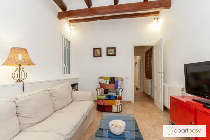 Picture of our wonderful apartment for rent in Gracia Neighborhood, Barcelona. Discover Barcelona and feel like a local!