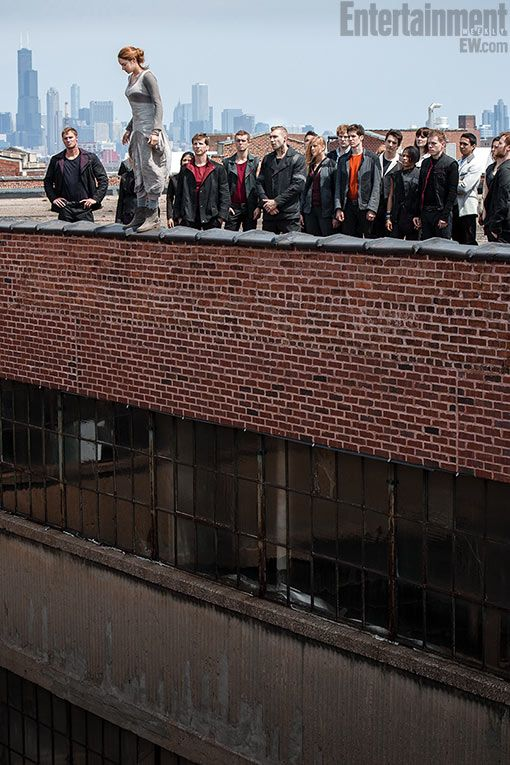 New 'Divergent' photo! Watch Tris go Dauntless — EXCLUSIVE | EW.com