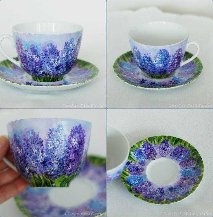 Ręcznie malowana filiżanka z hiacyntami/ Hand painted cup with hyacinths/ Handbemalte Tasse mit Hyazinthen