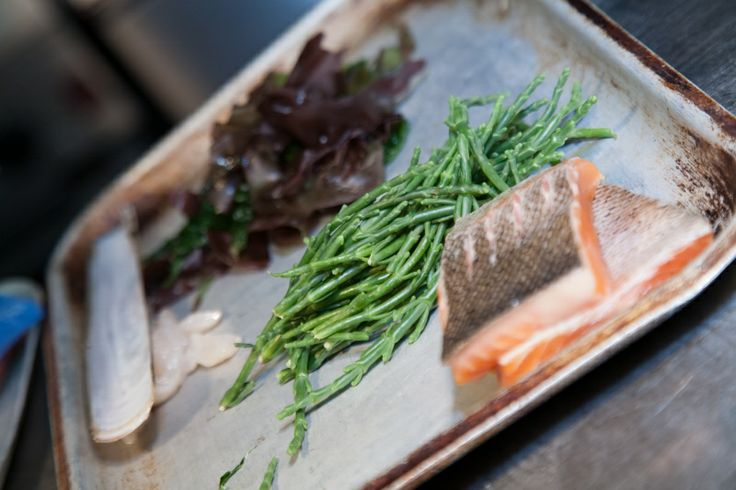 With lots of fabulous fresh produce on our doorstep and a kitchen team that works closely with local suppliers, we enjoy bringing these wonderful ingredients to your plate.