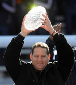 MONTGOMERY, Alabama -- Auburn University head football Coach Gene Chizik thanked lawmakers and said ''War