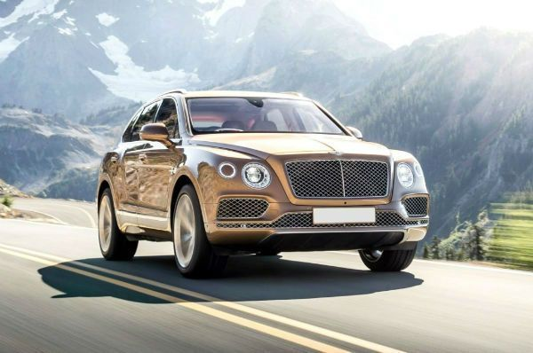 White Bentley Bentayga 2017 With Images Bentley Suv Bentley