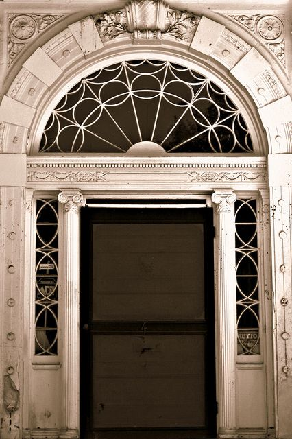 The beautiful designs of doors in downtown Charleston SC : doors galore - pezcame.com