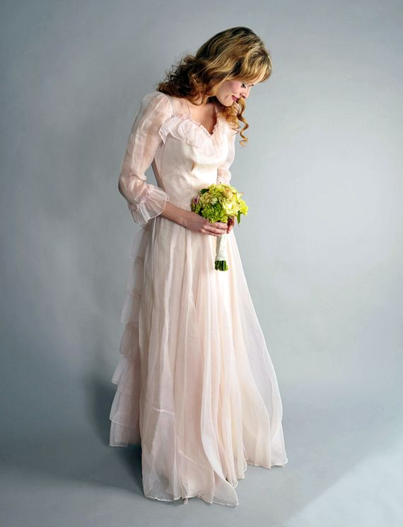 Great etsy article on vintage wedding dresses weddings for Pinterest wedding dress vintage