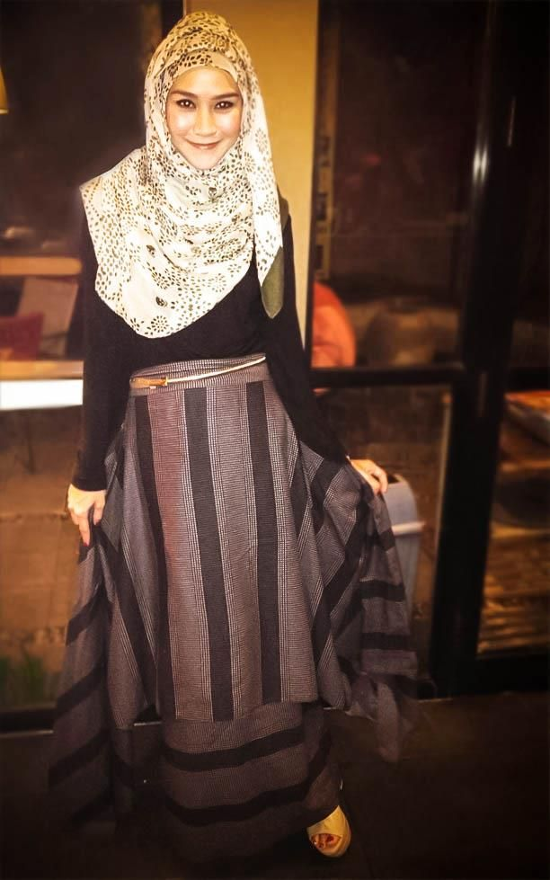 How to wear a stripe pattern look chic on Hijab ? #HijabStyle