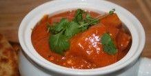 Indisk curry med kylling og kartofler.