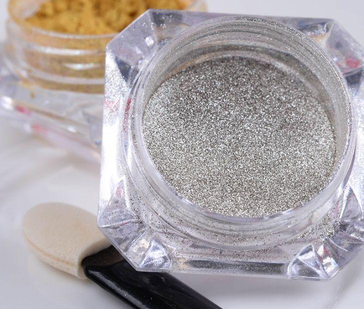 Хромовая пудра для зеркального маникюра в серебристом порошке. Как использовать?