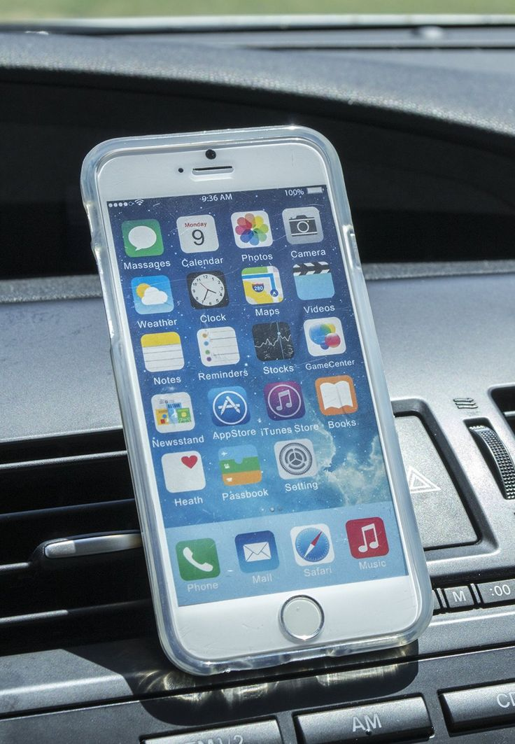 Drive hands-free with the magnetic vent mount for your smartphone.