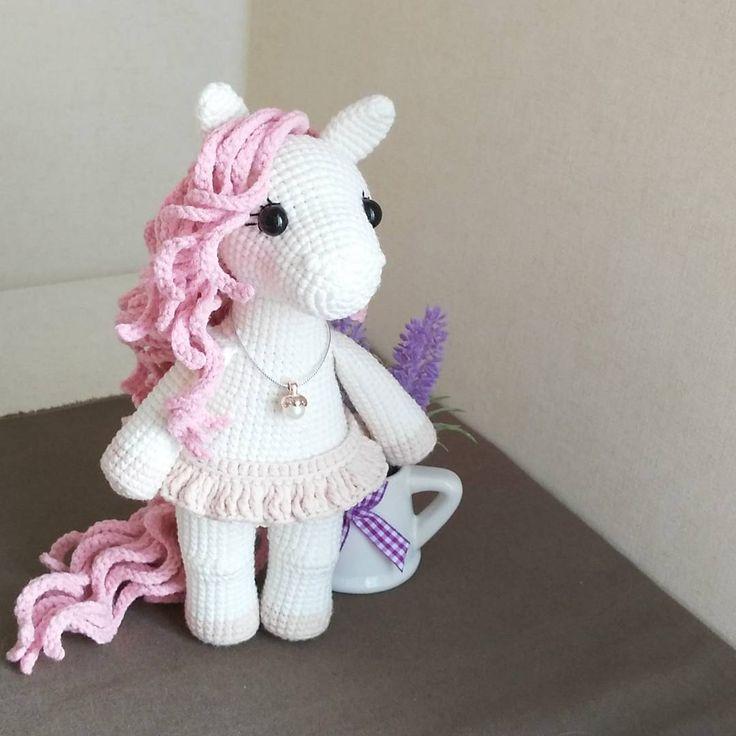"332 Me gusta, 13 comentarios - Marina Chuchkalova (@mycrochetwonders) en Instagram: ""На пони потянуло #crochetfun #crochettoy #amigurumi #weamiguru #handmade #pony #crochetpony…"""