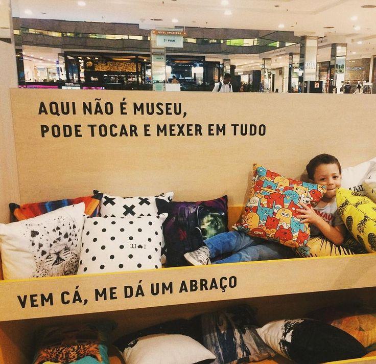 """314 Likes, 2 Comments - Touts (@toutsbrasil) on Instagram: """"Feliz Natal com direito a árvore de caixinhas @byalinealbino 🎅🎄 #movidoapessoasincriveis"""""""