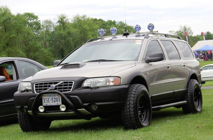 XC70 set for backcountry action. Spotted at Carlisle 2013 event.