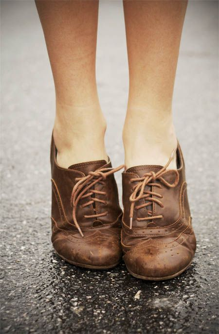 *: Brown Oxfords, Fashion, Style, Oxford Shoes, Oxford Flats, Brown Leather, Oxfords 3, Brown Shoe