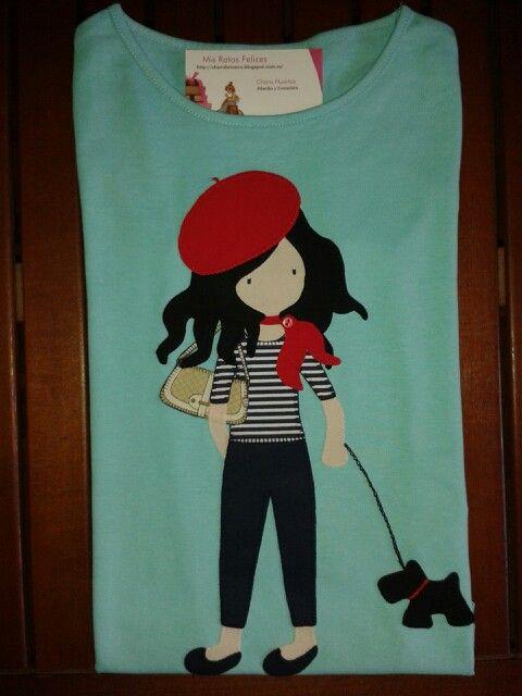 Camiseta de chica con perro