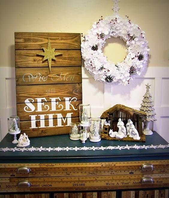Венок из бумажных снежинок и гирлянд: рождественские украшения