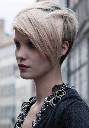 I tagli di capelli rasati da un lato e lunghi dall'altro