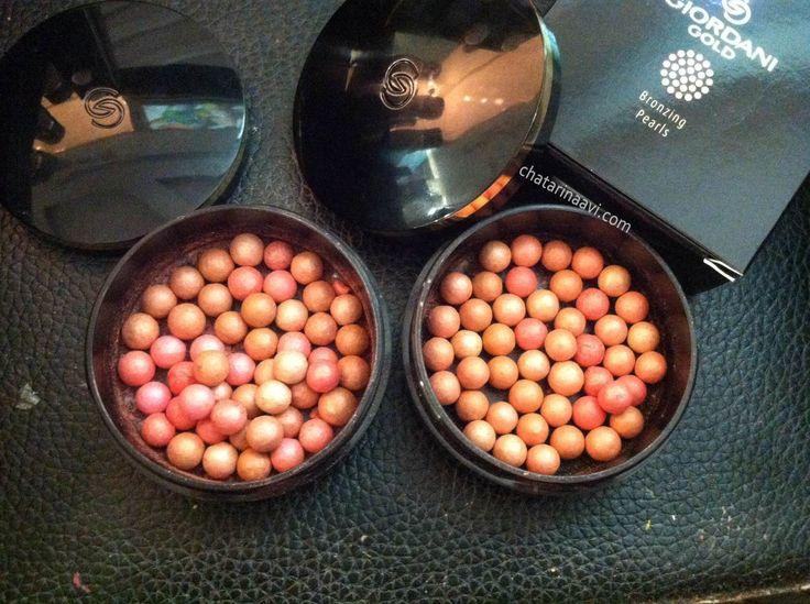 Oriflame Giordani Gold Bronzing Pearls Review kali ini aku mau ulas produk make-up Oriflame yaitu Blush on-nya Oriflame yang paling ikonik