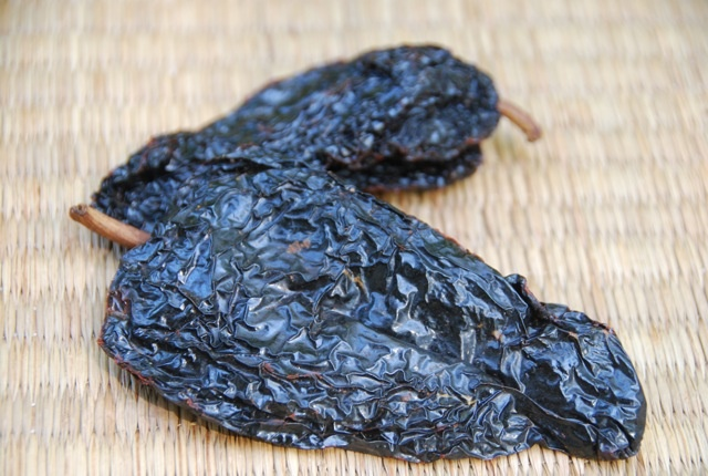 Ancho Chile : find out why the Ancho is the most used dried chile in Mexico... #chileDry Poblano, Mexicans Food, Mexicans Kitchens, Mexicans Recipe, Chilis Peppers, Ancho Chile Thumb 510X342 573, Dry Chile, Mexicans Tables, Mexicans Chile
