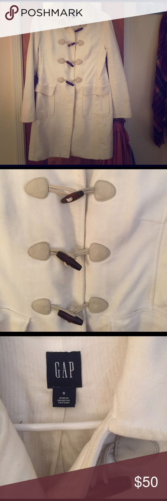 GAP coat White coat 100% cotton from the GAP size small, excellent condition! Leather and wooden tossle clasps GAP Jackets & Coats