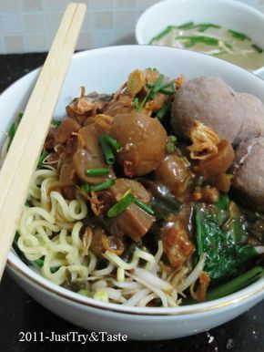 Just Try & Taste: Mie Ayam Jamur & Bakso