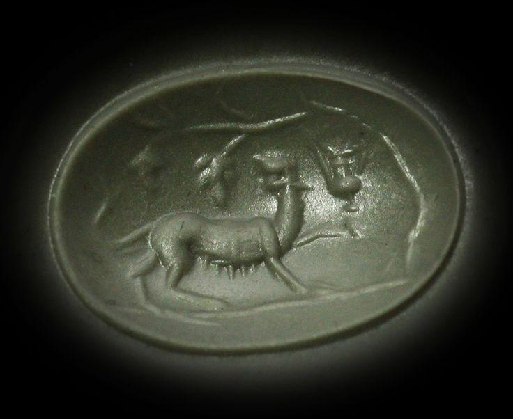 Wax Impression / Intaille romaine en sardoine montée en bague or. Panthère de Bacchus.