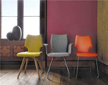 Stoel 4900 - Contur  Deze hippe stoel is beschikbaar in zowel stof als leder, alsook de combinatie van de twee!  U heeft de keuze uit 3 kuipen en 4 onderstellen. Keuze uit 12 stoelen!  Kom ze zeker ontdekken op onze afdeling modern en design wonen bij Meubelen Jonckheere!