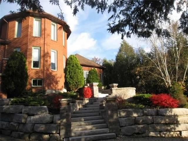 3 Turret Custom Built Home Nestled On Exclusive Cul-De-Sac With Distant View Of Cn Tower