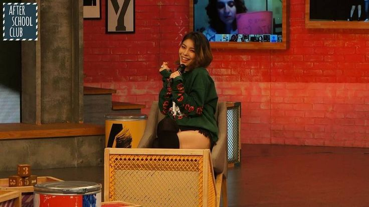 """[NEWS] Ailee called idols with whom would like to work in a group. October 11 Ailee became a guest on the radio show """"Kim Chang Ryeong Old School"""". During recording the singer talked about his fantasies in which it is idol groups. She shared with the audience: """"I would not mind being in a band during filming of the music video I'm busy for two days and did not sleep a day if I was in the group it would be possible and to rest while the other participants.. busy with work. It is the same at…"""