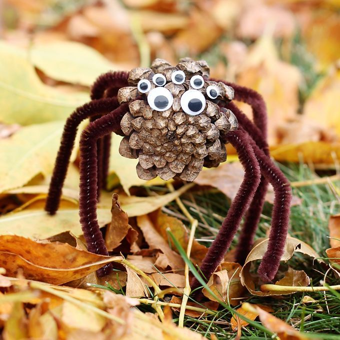 These Pine Cone Spiders from Fireflies and Mudpies are the perfect combination of spooky and cute. Brilliant!