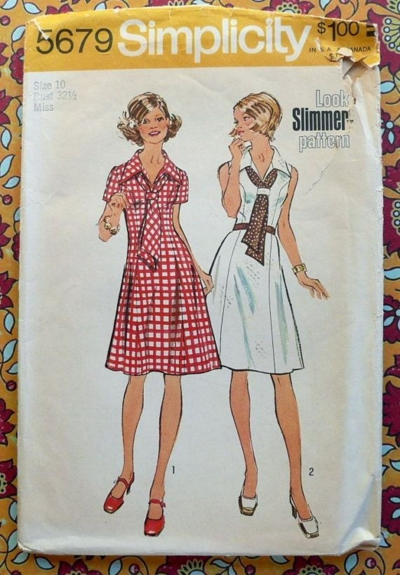 Simplicity 5679 Vintage 1970s Womens Dress Pattern by