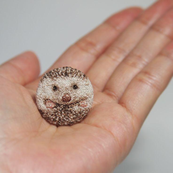 〔 261 / 5O1 〕Hedgehog : #embroidery #hedgehog #frenchknot #ハリネズミ#刺繍#フレンチノット