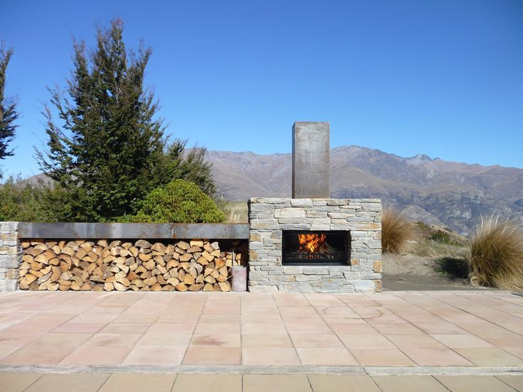 This Douglas fireplace looks right at home amongst the mountains of New Zealand.