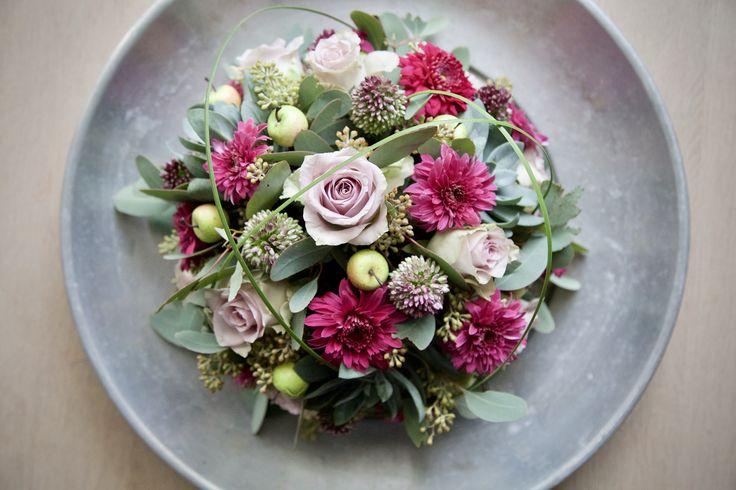 #bloemschikken #bloemstyling #bloemen #flowers #portfolio #rozen #biedermeier #tafelstuk #bloemstuk
