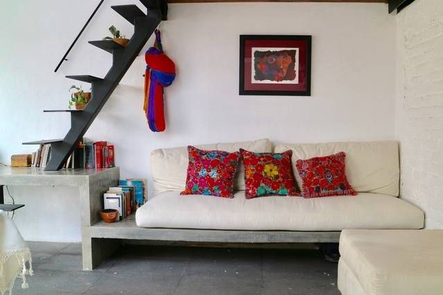 Entire home/apt in Ciudad de México, MX. Modern, sunny, bright and silent dwelling of two heights in the heart of the Roma colony. It is inside a closed housing of 1920 and has kitchen, living room, work area, wall, large closet and a nice terrace independent.