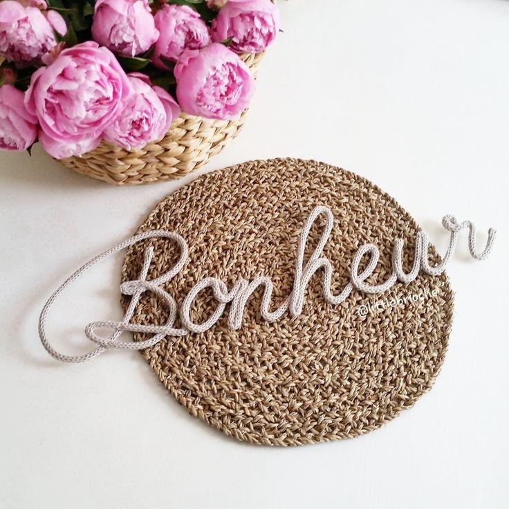 Prénom ou mot 7 lettres en laine réalisé au tricotin