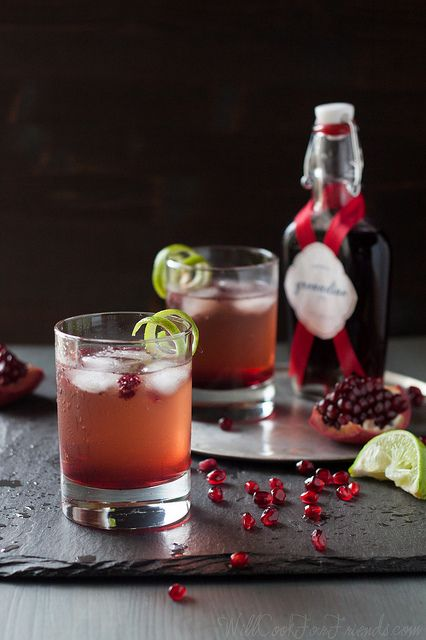Pomegranate Ginger Fizz Cocktail (can be made alcohol-free, too) - this would be perfect for the holidays! by WillCookForFriends, via Flickr...