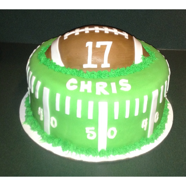 Cake Decorating Ideas For Football : 25+ best ideas about Football Birthday Cake on Pinterest ...
