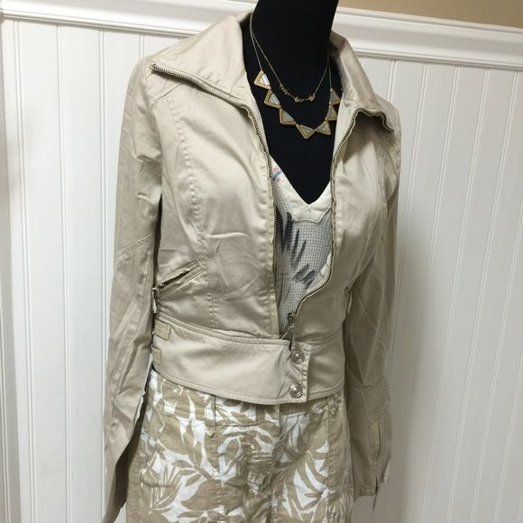 Cotton zip up jacket w/appliqué detail This 95/5 cotton/spandex lightweight neutral colored  jacket with appliqué detail is just what you'll need this spring! Great with shorts or jeans! Also available in M&L C-34 W-28 Monoreno Jackets & Coats Utility Jackets