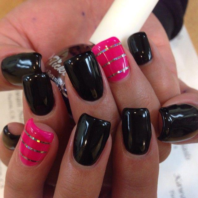 I LOVE those nails