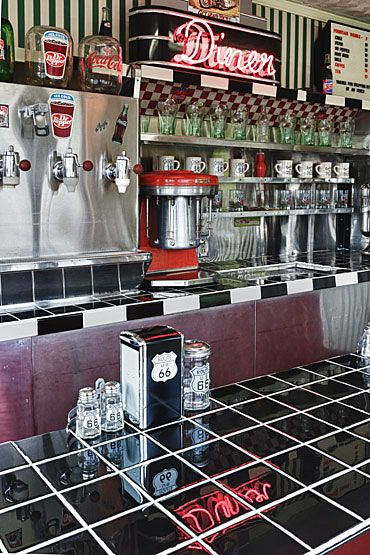 bold black and white patterns, checkerboard, stripes, Clinton Diner, Route 66 - Clinton, Oklahoma